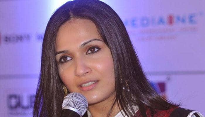 காலா பட கதை! உளறி மாட்டிக்கொண்ட சௌந்தர்யா ரஜினிகாந்த்!