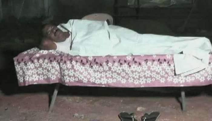 பேய் இருக்கா? கல்லறையில் தூங்கிய TDP MLA-வால் ஆந்திராவில் பரபரப்பு!