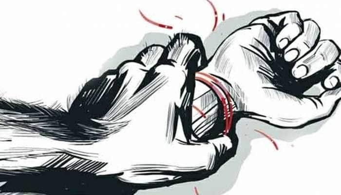 சிறுமிக்கு பாலியல் வன்கொடுமை: தலைமை ஆசிரியர் உட்பட 18 பேர் கைது!