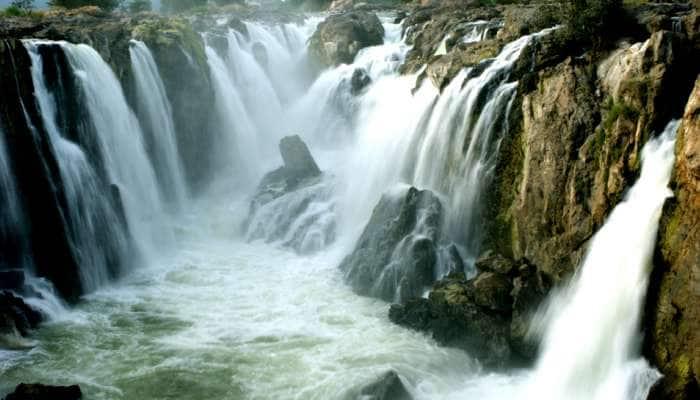 கரைபுரளும் காவிரி: ஒகேனக்கலுக்கு வரும் நீர்வரத்து 1,15,000 கன அடி உயர்வு!