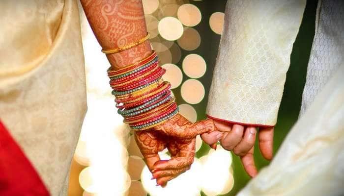 துயரத்தின் மத்தியில் நிவாரண முகாமில் நடந்த திருமணம்...!