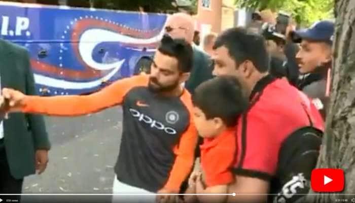 Video: சிறுவனுடன் Selfie எடுத்துக்கொண்ட விராட் கோலி!
