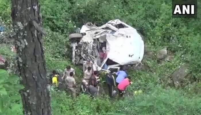 உத்தராகாண்ட்: உத்தர்காசியில் 100 மீட்டர் ஆழகுழியில் வேன் விழுந்து 9 பேர் பலி
