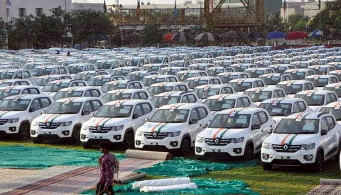தீபாவளி பரிசாக 600 சொகுசு கார்களை வழங்கும் சூரத் நிறுவனம்!