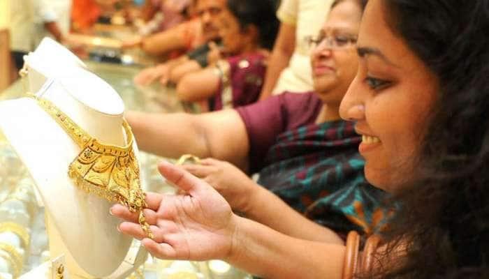 தமிழகத்தில் தங்கம் விலை கிராமிற்கு ₹1 குறைவு, வெள்ளி 10 காசுகள்!