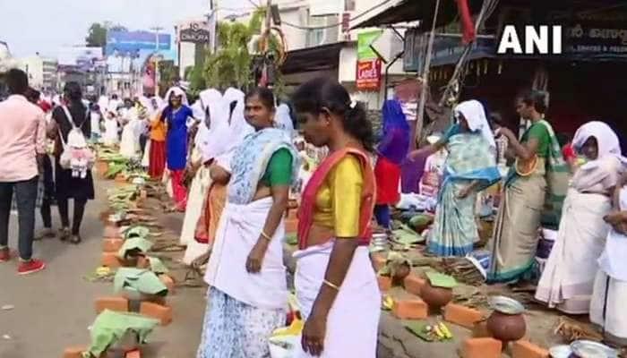 திருவனந்தபுரம் ஆற்றுக்கால் பொங்காலை! லட்சக்கணக்கான பெண்கள் வழிபாடு!