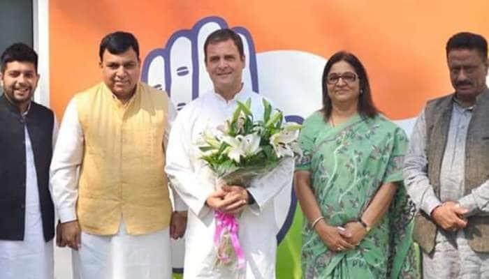 BJP முன்னாள் MP சுரேஷ் சண்டேல் காங்கிரஸ் கட்சியில் இணைவு!!