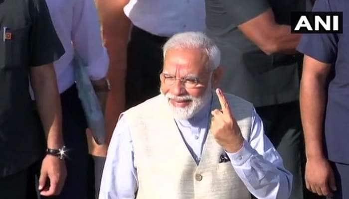 Lok Sabha Election 2019: குஜராத் அகமதாபாத்தில் தனது வாக்கை பதிவு செய்தார் பிரதமர் மோடி