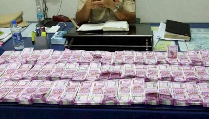 50 இந்தியர்களின் வங்கி விவரங்களை பகிர்ந்து கொண்ட ஸ்விஸ் அரசு!!