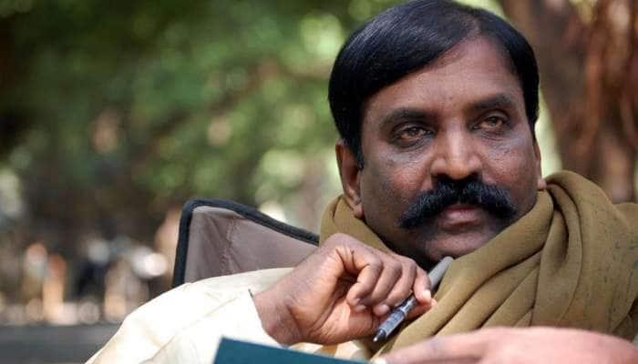 MP-ஆக பதவியேற்ற வைகோ-விற்கு கவிஞர் வைரமுத்து வாழ்த்து!