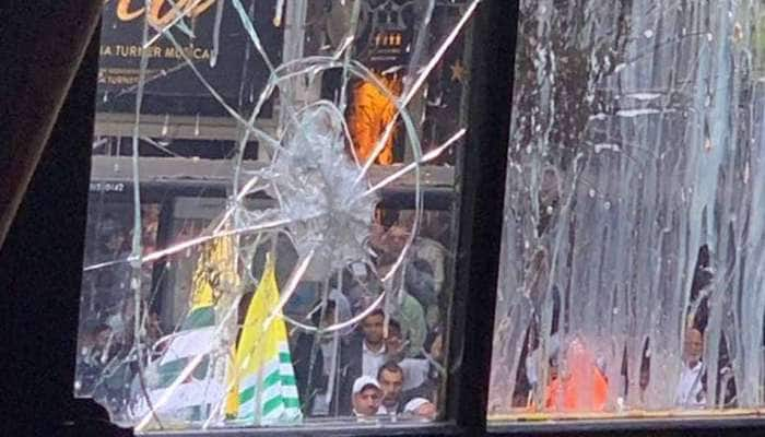 லண்டன் இந்திய தூதரகம் மீது பாகிஸ்தானியர்கள் கும்பல் வன்முறை தாக்குதல்!