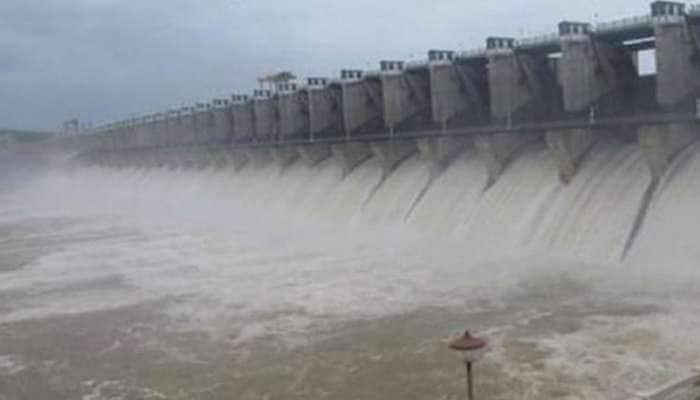 மேட்டூர் அணைக்கு நீர்வரத்து அதிகரிப்பு - டெல்டா பாசனத்திற்கான நீர் திறப்பும் அதிகரிப்பு