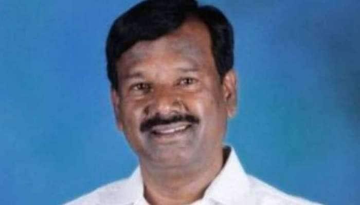 'தீண்டத்தகாதவர்' என கூறி ஊருக்குள் செல்ல தலித் MP-க்கு அனுமதி மறுப்பு!