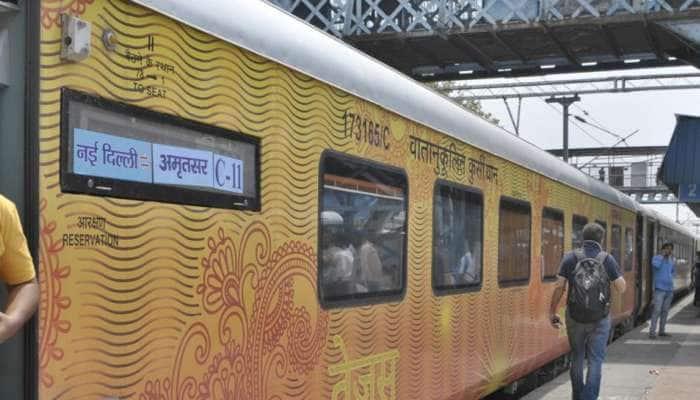 புதுடெல்லி - லக்னோ வழித்தடத்தில் களமிறங்கும் தேஜாஸ் எக்ஸ்பிரஸ்...