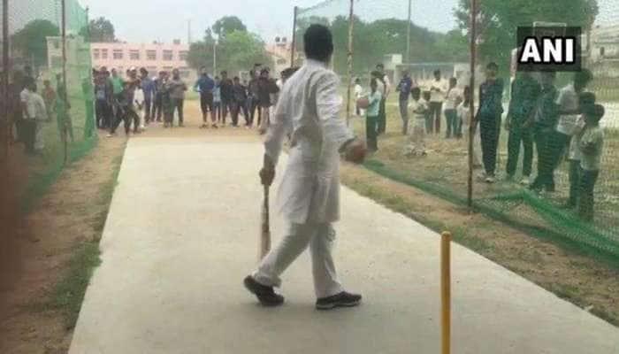 Video: கல்லூரி மாணவர்களுடன் கிரிக்கெட் விளையாடும் ராகுல்!