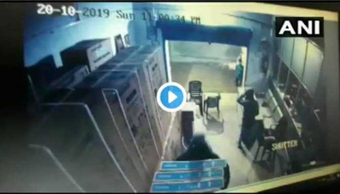 VIDEO: சுமார் ரூ.50 லட்சம் மதிப்புள்ள 250 டிவிகளை திருடிச் சென்ற கொள்ளையர்கள்