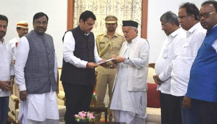 முதலமைச்சர் பதவியை ராஜினாமா செய்தார் தேவேந்திர ஃபட்னாவிஸ்!