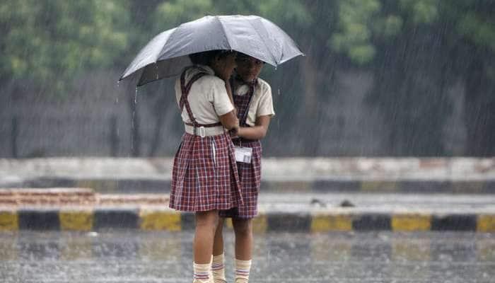 கனமழை எதிரொலி: தமிழகத்தில் 7 மாவட்டங்களில் பள்ளிகளுக்கு விடுமுறை..!