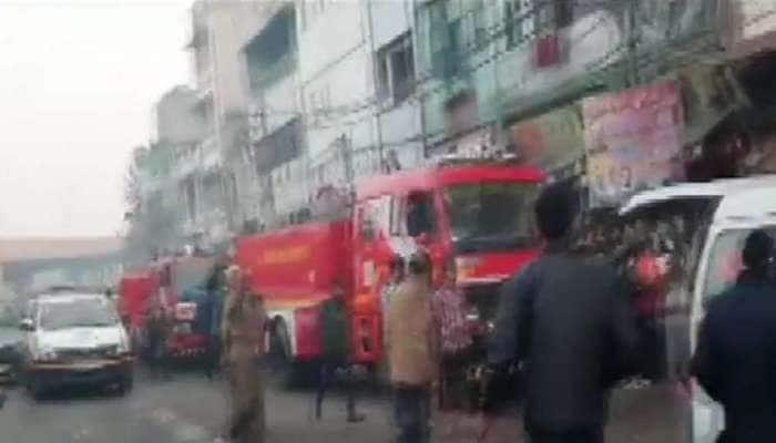 ராணி ஜான்சி சாலை பகுதியில் ஏற்பட்ட தீ விபத்தில் 43 பேர் பரிதாப பலி...