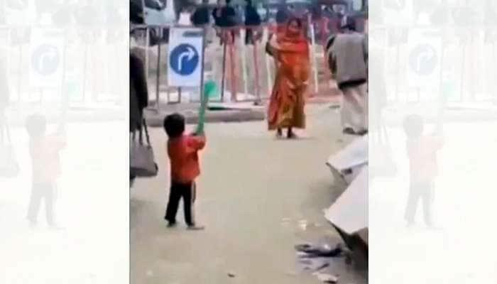 Video: விராட் கோலி, ரோகித்தை மிஞ்சிய சிறுவனின் பேட்டிங் திறமை!