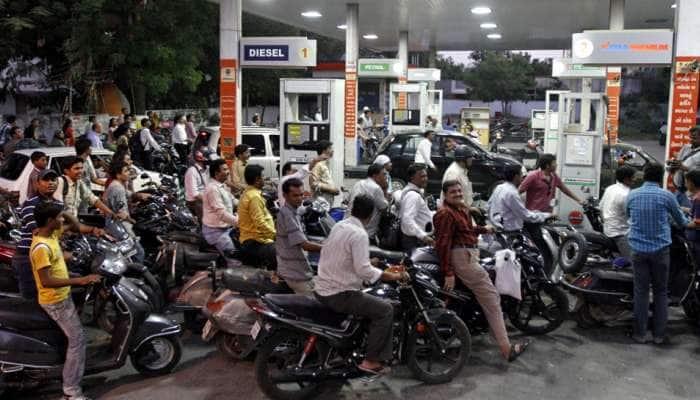 பெட்ரோல், டீசல் விலை லிட்டருக்கு ₹ 0.50 - ₹ 1 வரை உயர்வு?