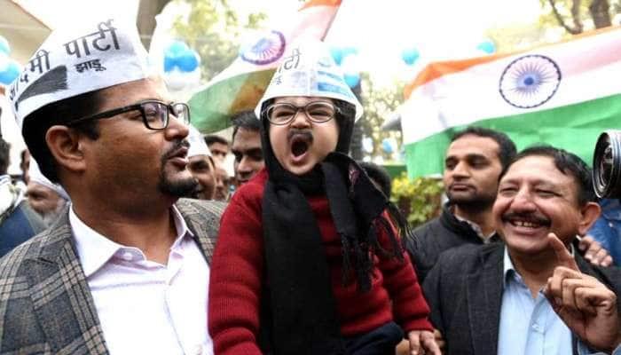 See Pic: இணையவாசிகளின் இதயத்தை கவர்ந்த லிட்டில் கெஜ்ரிவால்...!