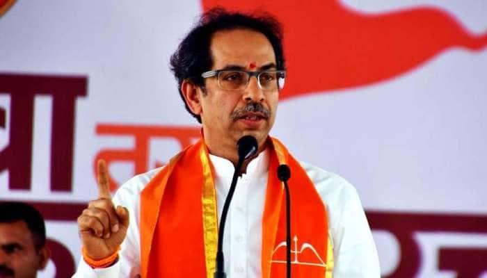 பற்றி எரியும் டெல்லி, அமித் ஷா எங்கே: BJP தாக்கும் சிவசேனா தலைவர்..!