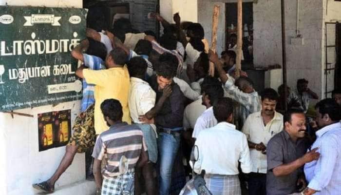 டாஸ்மாக் பணியாளர்களுக்கு முகக்கவசம், சானிடைசர் வழங்க TN Govt உத்தரவு!!