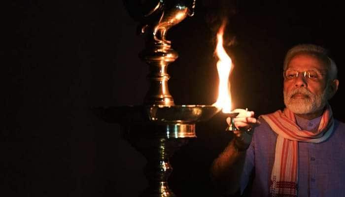 பிரதமர் மோடியின் 'switch off light' பிரச்சாரத்தால் மின்சார தேவை குறைந்தது: சிங்