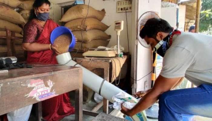 இன்று முதல் ரேஷன் கடைகளில் ரூ. 500 மலிவு விலை மளிகை பொருட்கள் வழங்கப்படும்