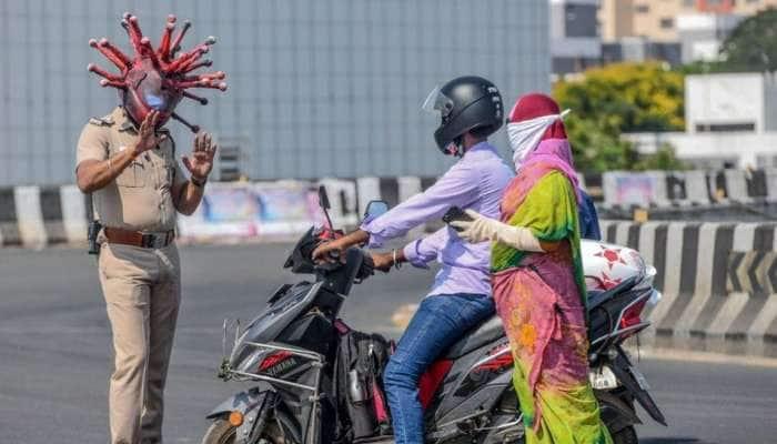 சென்னை போக்குவரத்து துறை காவலர்களுக்கு 10000 முககவசம் அளித்த Paytm!