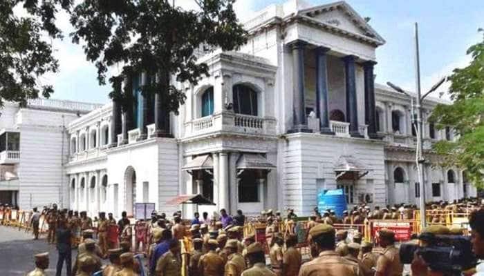மே 18  முதல் 50% ஊழியர்களுடன் அரசு அலுவலகங்கள் செயல்படும்: தமிழக அரசு!