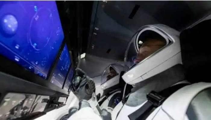 விண்ணிலிருந்து வரும் வீரர்களை வரவேற்க தயாராகிறது NASA, SpaceX!!