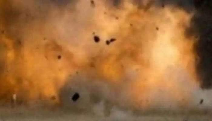 பாகிஸ்தானின் கராச்சியில் நடந்த ஒரு பேரணியில் குண்டுவெடிப்பு: 39 பேர் காயமடைந்தனர்!!
