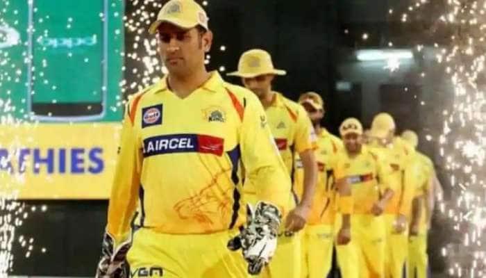 IPL 2020: MI vs CSK match வெற்றியின் மூலம் சதமடித்த தல தோனி!!
