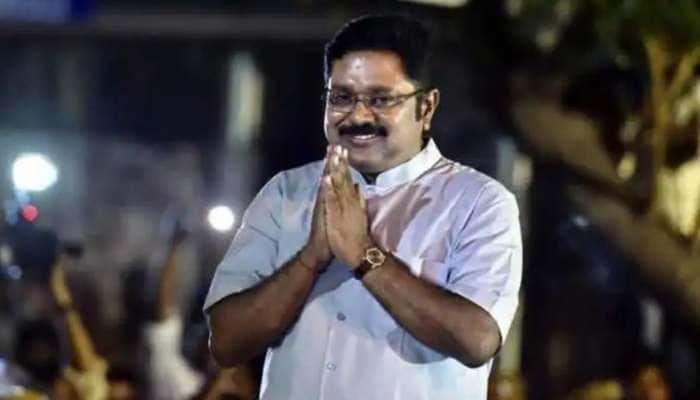 TTV Dinakaran-னின் தில்லி பயணம்: தமிழக அரசியலில் பெரும் சலசலப்பு!!