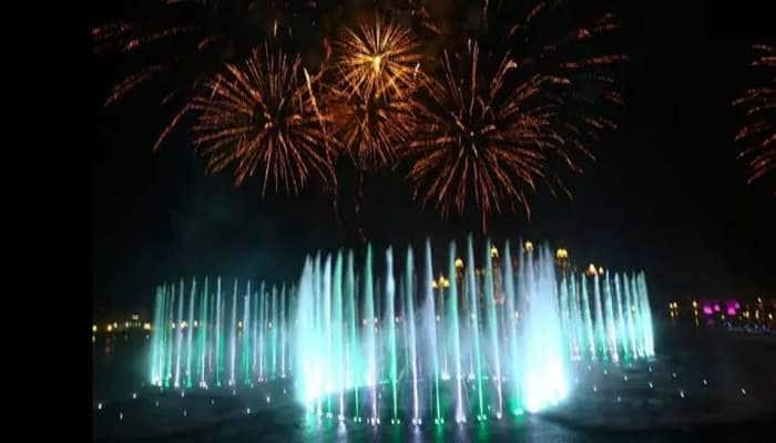 Palm Fountain: 105 மீட்டர் உயரம் செல்லும் உலகின் மிகப்பெரிய நீரூற்று துபாயில்…
