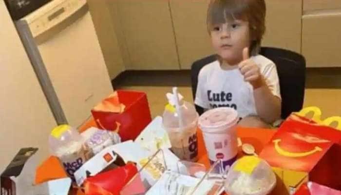 Viral image: மொபைல் மூலம் McDonaldஇல் உணவு வாங்கும் 4 வயது சிறுவன்