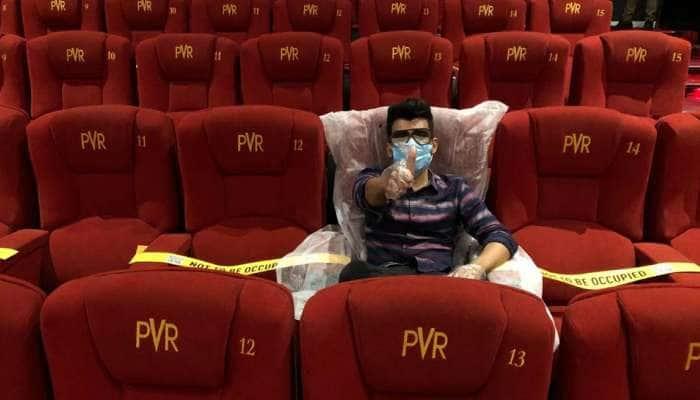 திரையரங்குகளில் 100% இருக்கைகளுக்கு அனுமதி வழங்கிய தமிழக அரசு!
