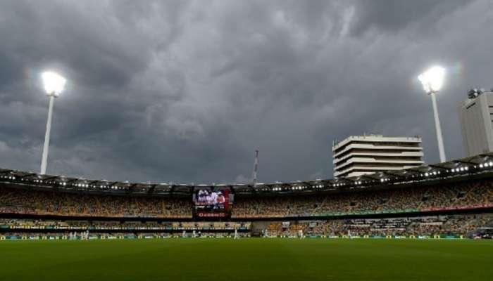 IND vs Aus: மழையால் தடைபட்டது 4-வது நாள் ஆட்டம், வெற்றி பெற இந்தியாவுக்கு தேவை 324 runs!!