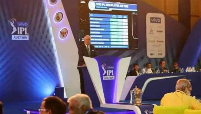 IPL Auction 2021: விறுவிறுப்பாய் செல்லும் IPL ஏலம், CSK-வுடன் இணைந்தார் மொயின் அலி