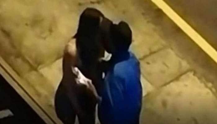 COVID curfewவை மீறிய பெண்ணுக்கு முத்த அபராதம் விதித்த kiss me போலீஸ்!