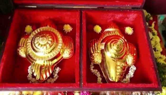 Donation: ஏழுமலையானுக்கு 3.5 கிலோ பொன்னாலான சங்கு சக்கர காணிக்கை செலுத்திய தமிழக பக்தர்