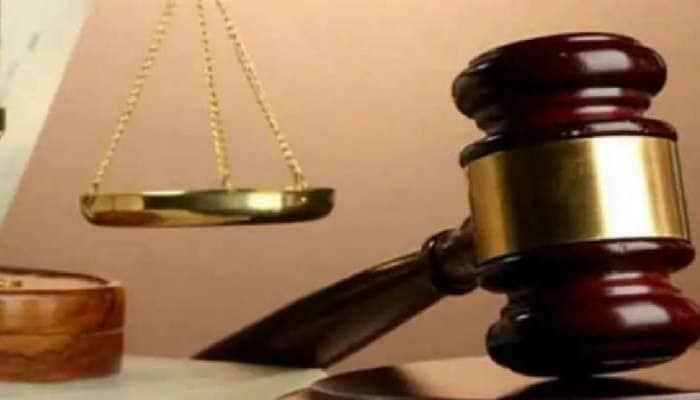 தேசிய கொடி சித்தரிக்கப்பட்டுள்ள கேக்கை வெட்டுவது குற்றம் அல்ல : நீதிமன்றம்