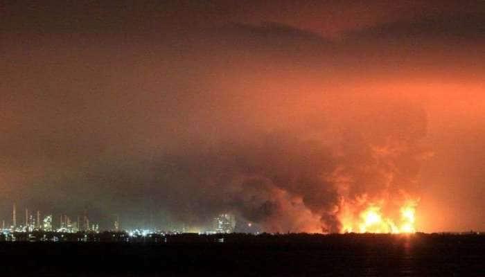 Massive fire Erupt: இந்தோனேசியாவில் எண்ணெய் சுத்திகரிப்பு நிலையத்தில் தீ விபத்து