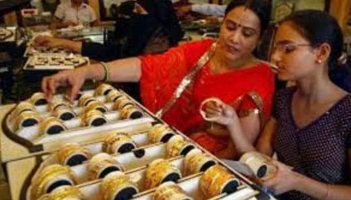 Gold Rates Today: மீண்டும் ஏறுமுகத்தில் தங்கம், வாங்க தாமதித்தால் நமக்குத்தான் நஷ்டம்