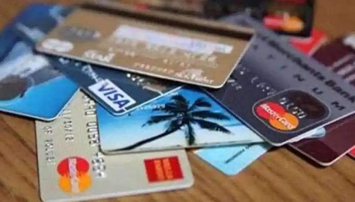 Credit Card: பல கிரெடிட் கார்டுகளை பயன்படுத்துவதால் credit score பாதிக்கப்படுமா?