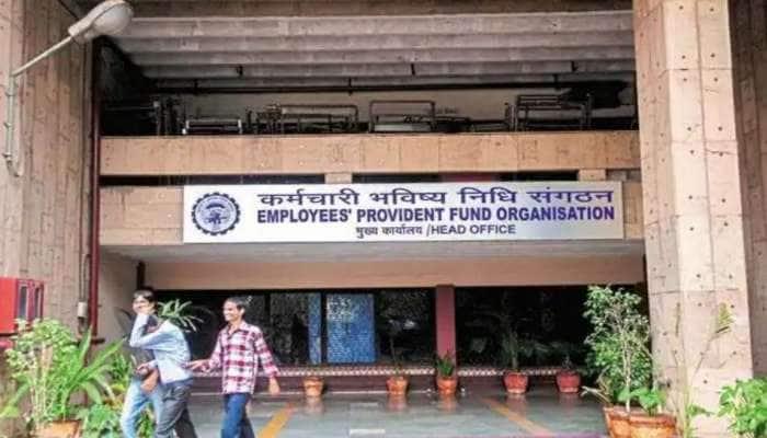 Aadhaar-PF இணைப்பு கட்டாயம்; இணைக்கவில்லை என்றால் பெரும் நிதி இழப்பு ஏற்படலாம்